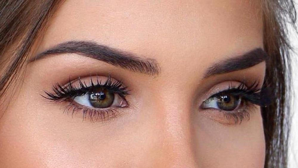 Eye Shadow as a Key of Eye Makeup