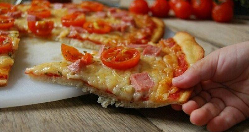 Homemade margherita pizza recipe