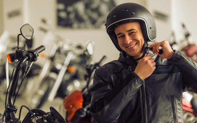 How to know if a motorcycle helmet is approved?