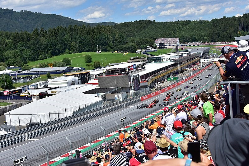 From budget to blow out – different ways to enjoy a grand prix event