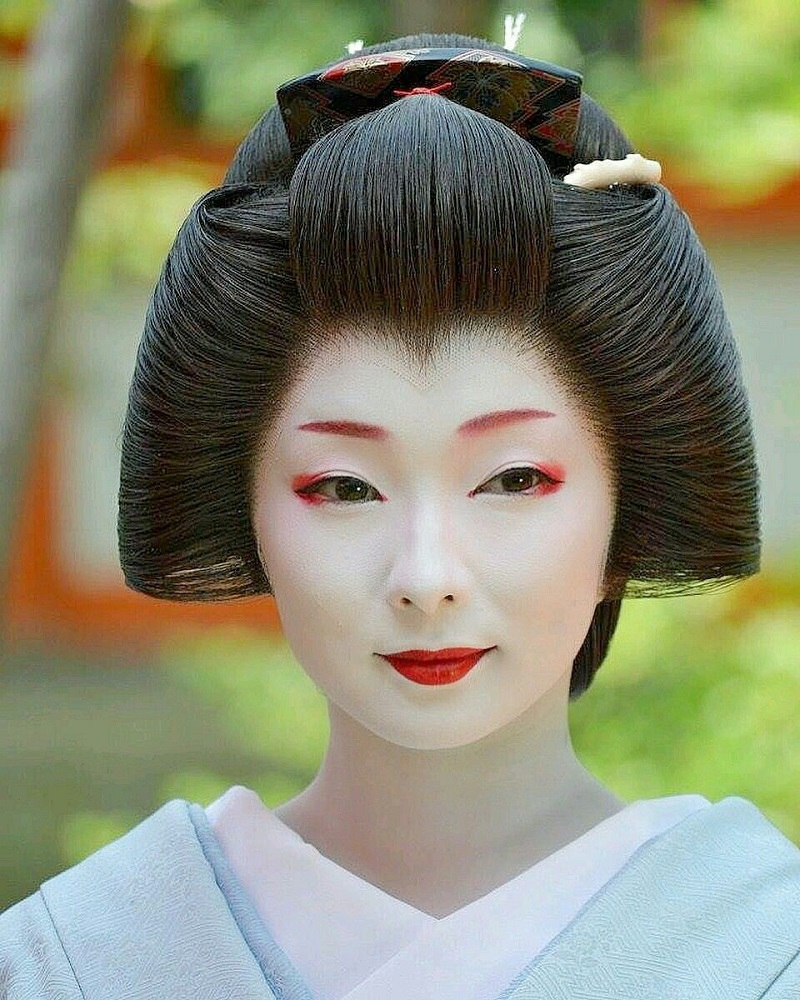 Traditional Japanese makeup