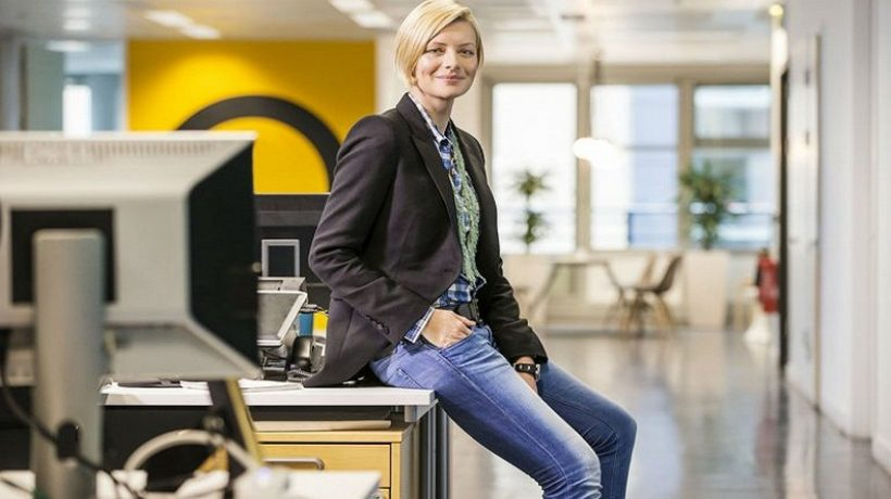How to wear jeans in the office?