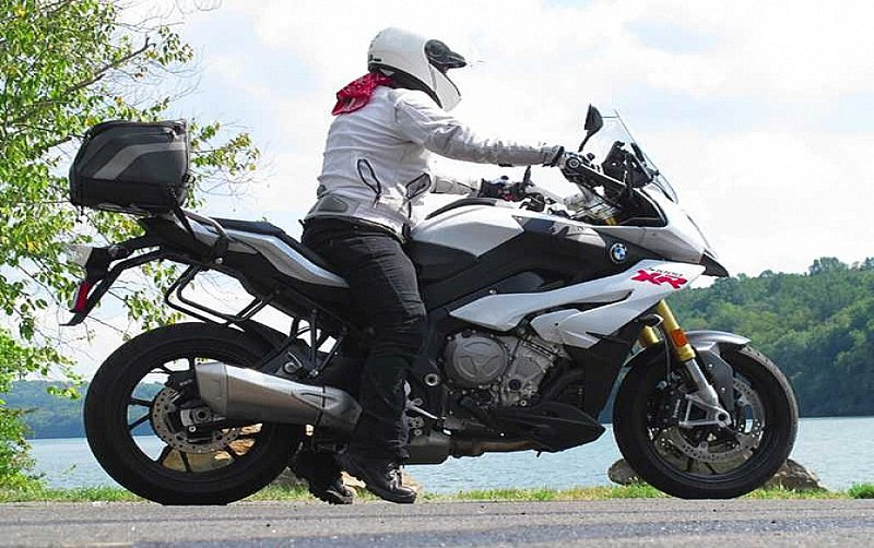 Tricks for short riders with a high bike