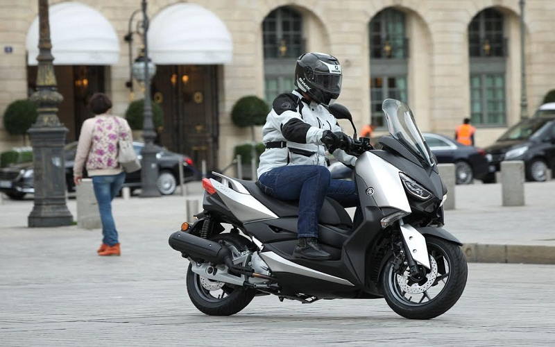 discover Scooter 125